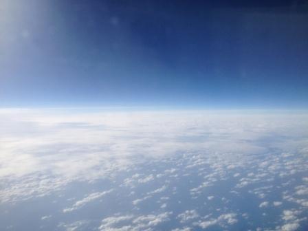 飛行機内より