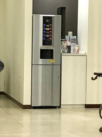 高須クリニック内のコーヒーメーカー